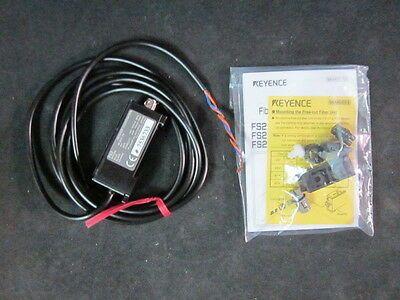 KEYENCE FS2-62 Sensor; 12-24V DC