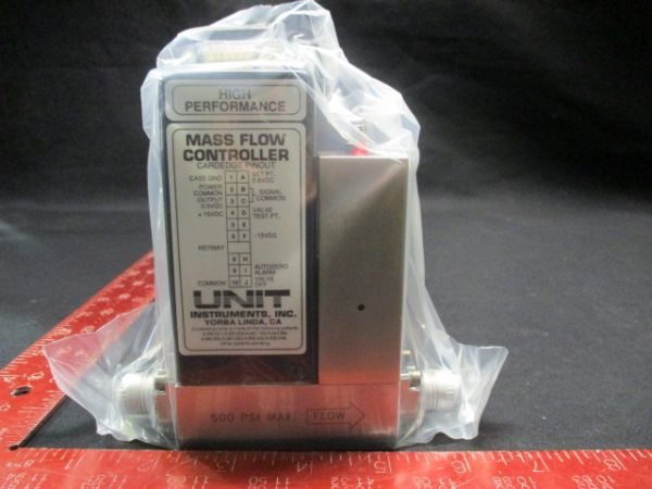 UNIT INSTRUMENTS 1260-100056 MFC UFC-1260A RANGE:1 SLM GAS: O2