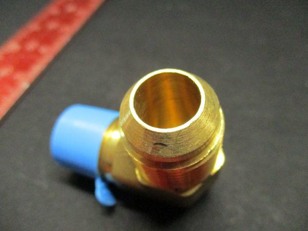 Applied Materials 3300-02291 FITTING, TUBING, ADAPTER 5/8T 1/2NPT M 90 DEG ELB