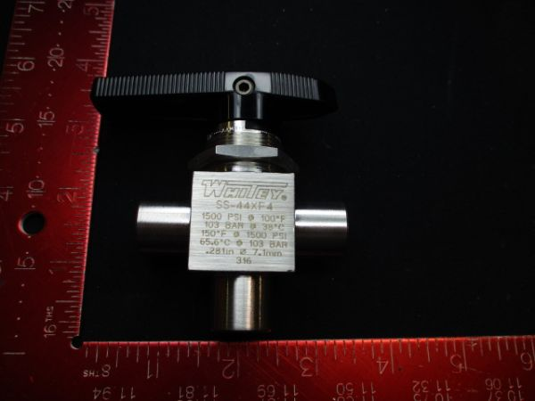 Applied Materials (AMAT) 3870-02151   VALVE BALL MANUAL 3-WAY 1/4MNPT 7.1MM